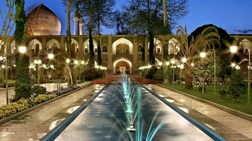 Fountains in the Abbasi Hotel courtyard