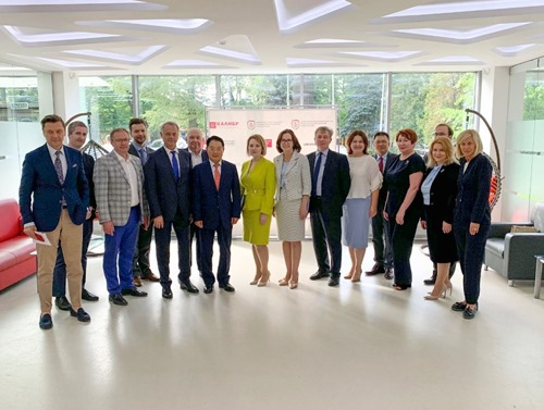 The UNIDO and Russian Government delegation at Technopark Kalibr
